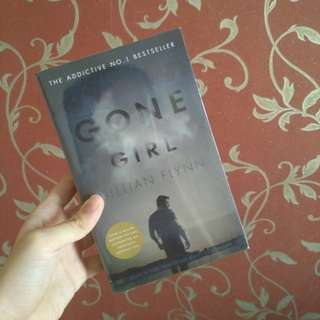 Gone Girl by Gillian Flynn (import novel)