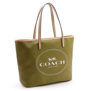 Coach Replica