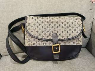 Pre-loved Authentic Louis Vuitton Mini Monogram Handbag