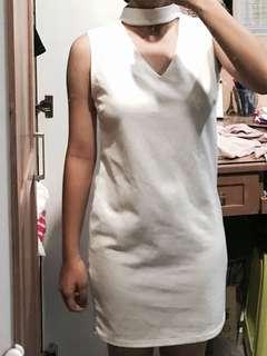 White choker dress