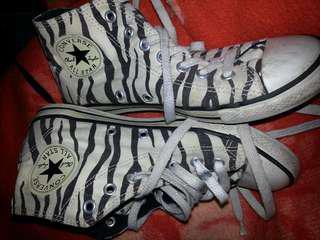 Converse boots tigers zebra strip