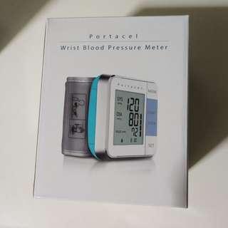 Portacel wrist blood pressure meter