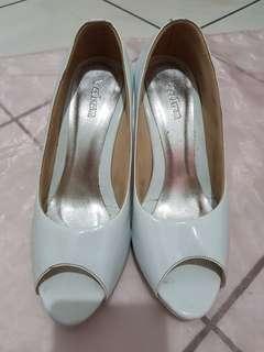 High heels putih