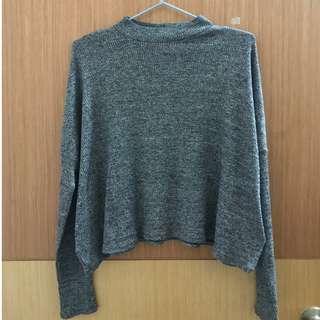 灰色有領毛衣
