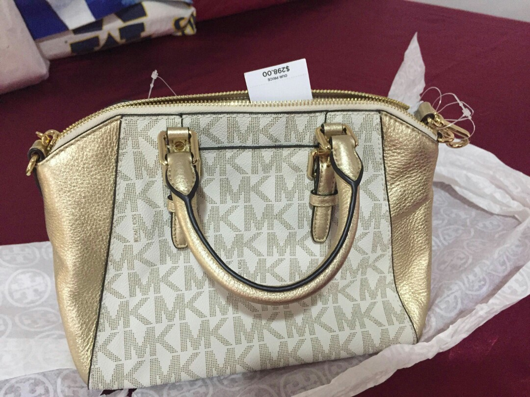 eb1abbd22a38 SALE! Authentic MK Ciara, Women's Fashion, Bags & Wallets on Carousell