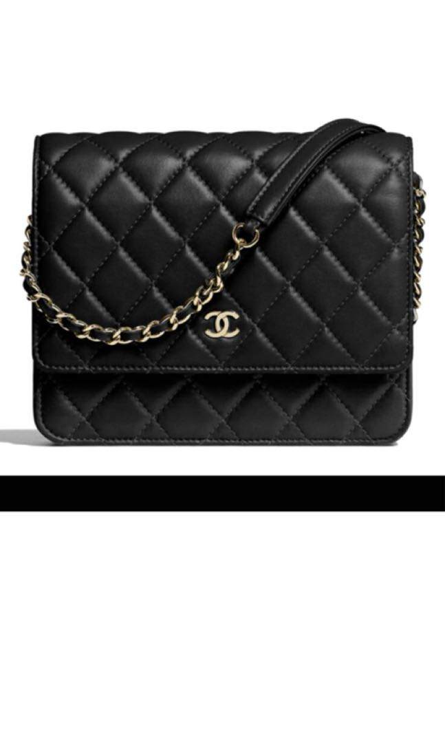 3c5a8b58eed0 Chanel square WOC