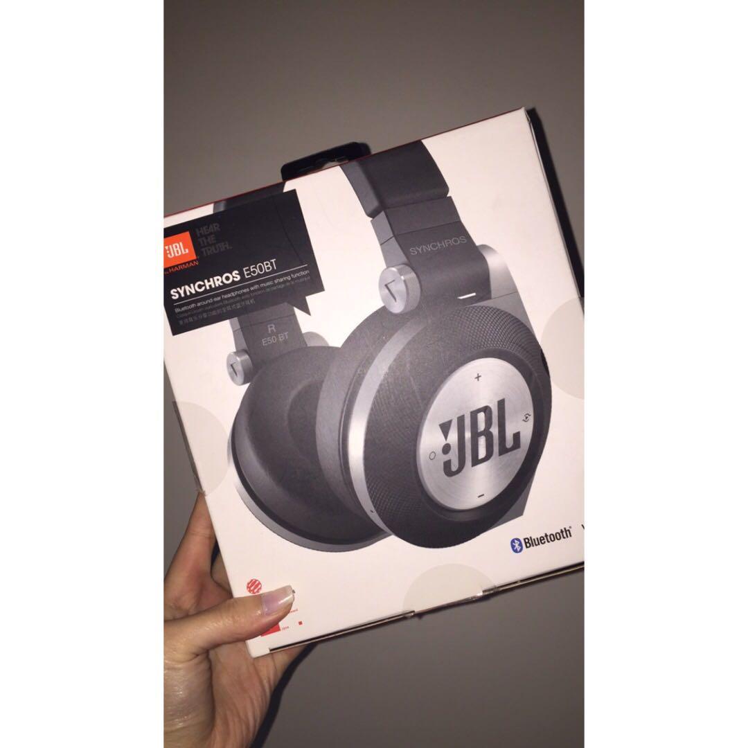 JBL SYNCHROS E50BT BLUETOOTH OVER-EAR HEADPHONES