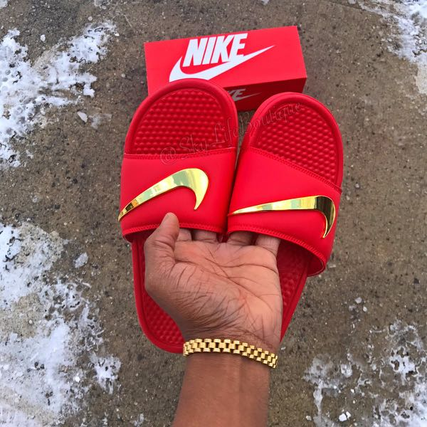 60827cc9ac8a Nike Benassi Slide Replica with Gold Check