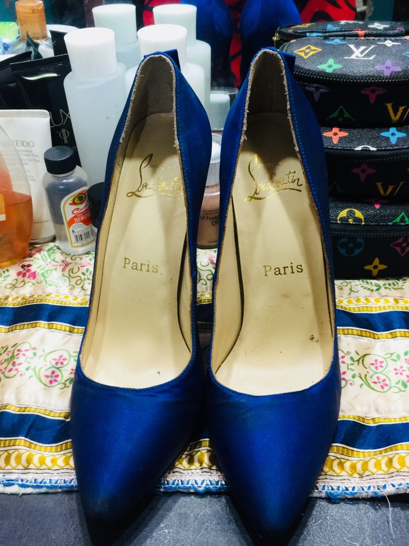 4cb60539b28 Preloved Louboutin shoes size 39! Perfefct fit for size 38!