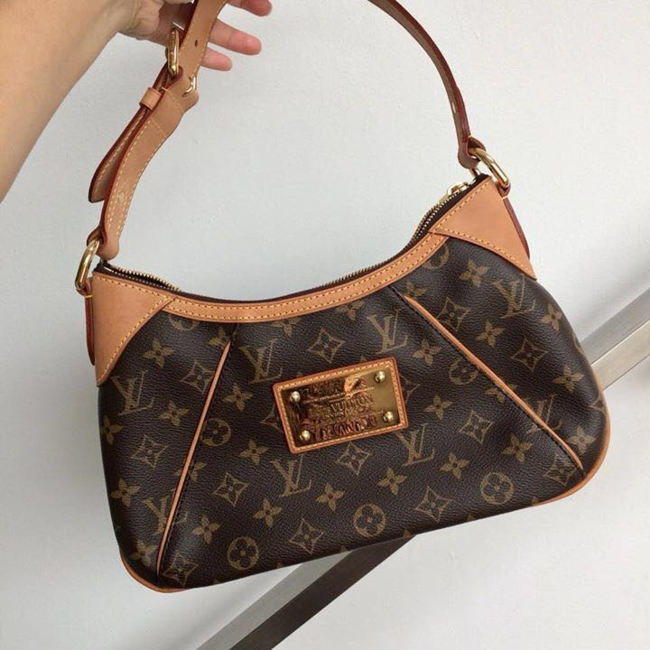 17645bef5bb01 Preloved LV Thames PM Monogram Shoulder Bag