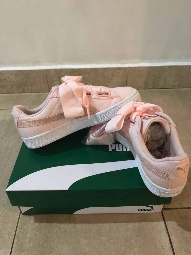 premium selection 04932 72261 Puma Basket Heart Canvas, Women s Fashion, Shoes, Sneakers on Carousell