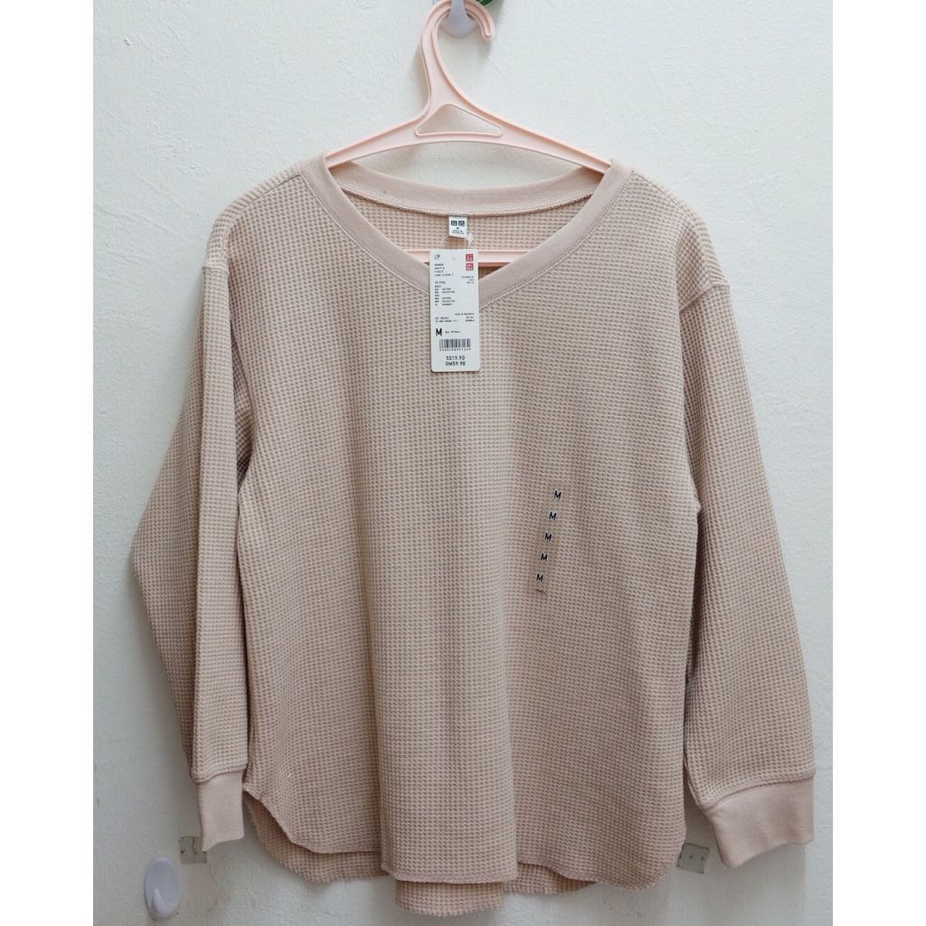 f4ad5fdd1ad0d reduced  Waffle V neck T-shirt by Uniqlo