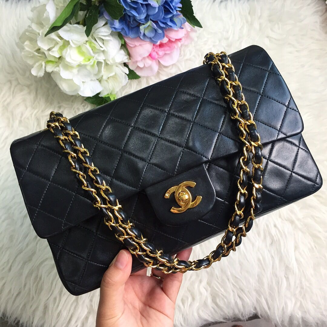 84f61e674e7c ❌SOLD!❌ Beautiful Piece At A Superb Price!🖤 Chanel Vintage ...
