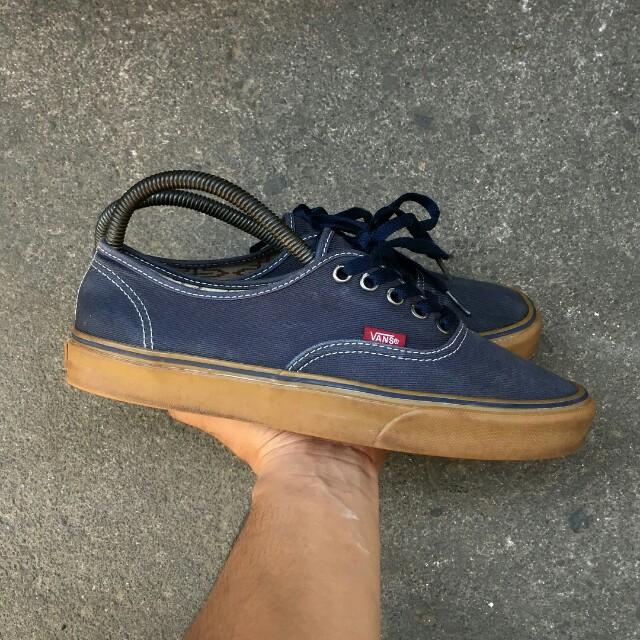 5a8330286a Vans authentic navy gum