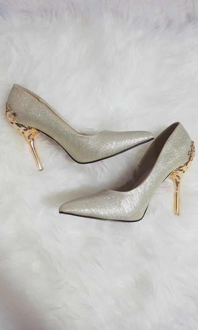0d71e7faba7 Wedding shoe / champaigne gold / wedding heels / prom / christian ...