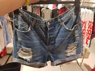 H&M ripped jeans short pants
