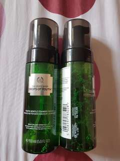 Facial Wash Drop of Youth The Body Shop