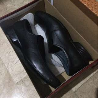 Jarman Authentic Leather Shoes