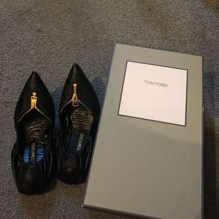 TOM FORD LEATHER BALLERINAS