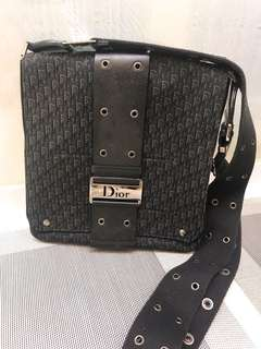 Dior cross body bag 95% new