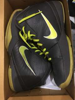 Basketbal shoes NIKE