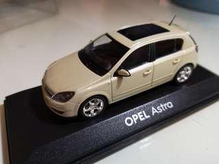 Vauxhall Opel Astra 1:43