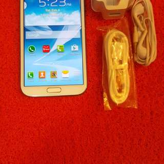 Samsung galaxy note 2 open line original no issues no damage very good condition full set