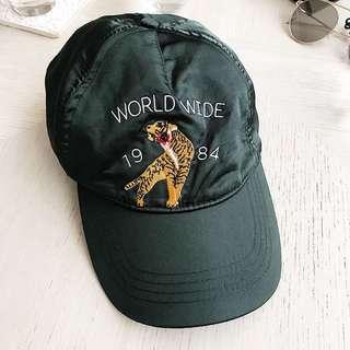 🚚 F21緞面world wide老帽