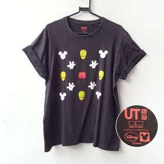 Uniqlo tShirt Black Mickey