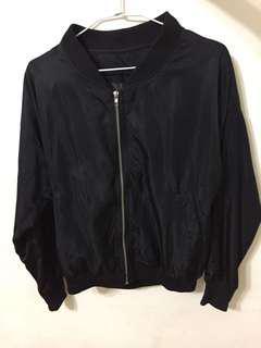 🚚 黑色風衣外套