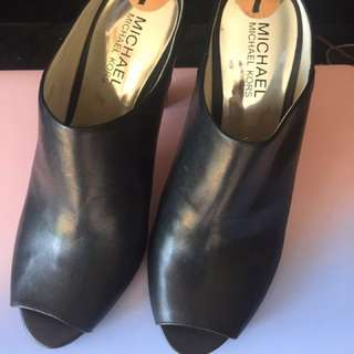 Authentic Michael Kors Open Toe Heeled size 7