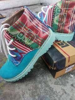 Sepatu !!