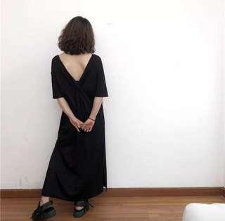 🚚 心機在背後黑色長洋裝