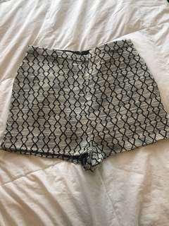 Highwaist tweed shorts