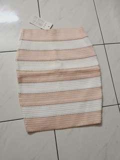 [BNWT] Bodycon Elastic Textured Stripe Skirt