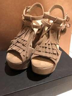🚚 流蘇械型鞋