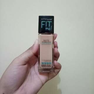 Maybelline Fit Me Foundation shade 130 Buff Beige