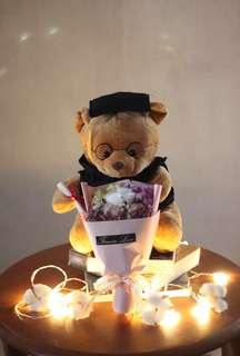 🚚 [BEARSAVENUE] GSS SALE! Graduation bears and balloons- Ready stock