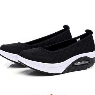 Black sporty wedges