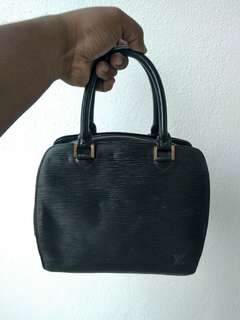 Lv pont-neuf pm bag epi leather