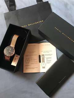 DW authentic Classic Melrose fashion watch/dress watch quartz