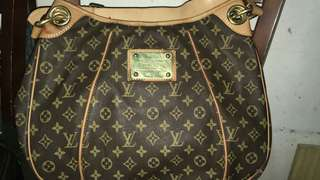 Lv large shoulder bag  with code