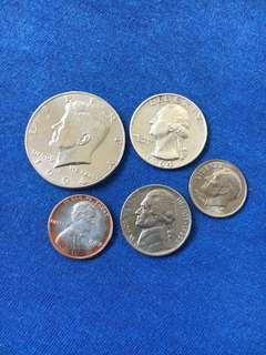 Collectible US American coins 1/2 dollar, 1/4 dollar, one dime, 5 cent & one cent five piece set. 1994, 1964, 2000, 1988 & 1982