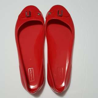 Hunter Buckle Red Flats - Size 7