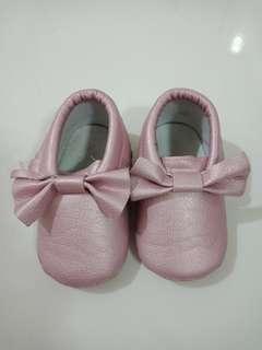 Sepatu anak perempuan pink