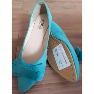 Flat shoes size 36(fit to 37)