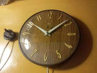 Vintage~Electric Wall Clock~英國 木紋電鐘~Work