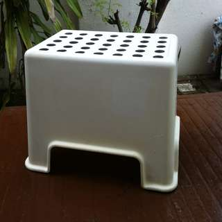 High stool. Dimension 40 x 30 x 30cm.  In good condition.