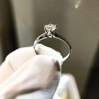 33份 GIA証書 E色YRG076793 18K鑽石6爪介指