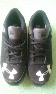 Sepatu base ball Under Armour Original
